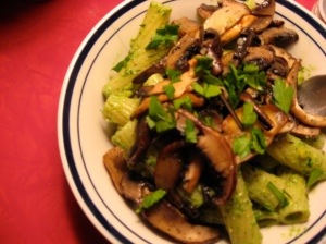 also pictured: italian parsley, king & portabello mushrooms w/ white wine. sorry for the lack of macro tech.
